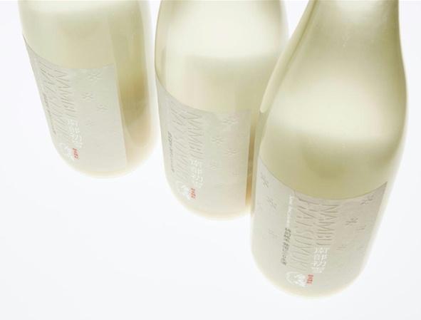 酵母を生きたまま瓶詰めしたシャンパン風にごり酒